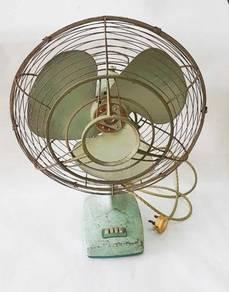 Vintage KDK table Fan #MGAG101