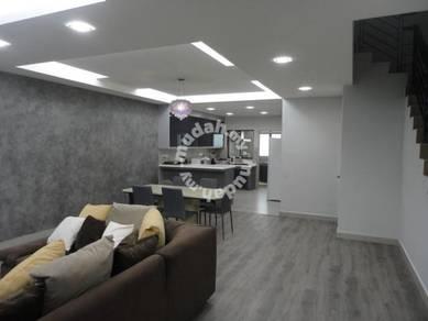 Fully Renovated Double Storey Taman Bukit Saujana Sungai Buloh