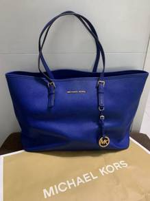 Michael Kors MK Jet Set tote bag