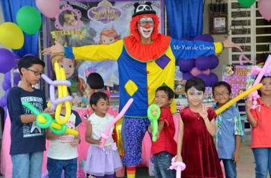 PROFESSIONAL SERVICES clown magic show