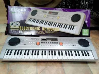 Sound Master 61 Key Electronic Keyboard (BF-630B2)