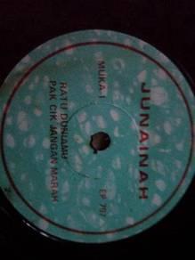 Piring Hitam EP Melayu Junainah