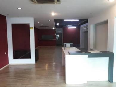 Bandar Sunway ground floor End lot shop to let