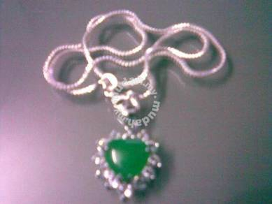 ABPJ-G002 Green Jade Heart Shape Pendant Necklace