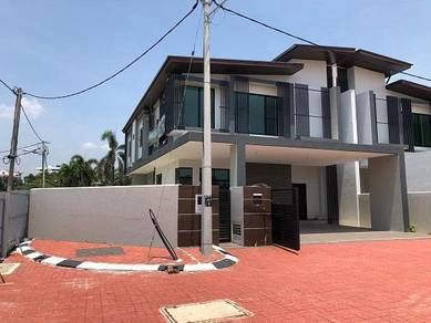 Double Storey SEMID Corner House at Taman Chateau