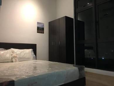 [Cheapest!][Nice Room] The Henge ,Luxury Condo, Fully Furnish with A/C