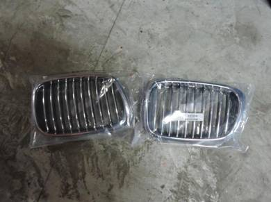 BMW 5-Series E39 Front Grille Kidney CRUM