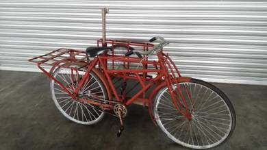 Imported Classic Tricycle with side cargo