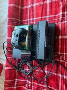 Xbox one elite with 1 controller and 5 games