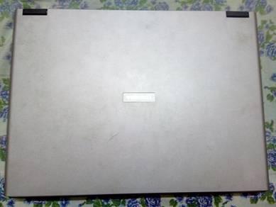 Toshiba Satellite L30 PSL30L-00M017 Notebook