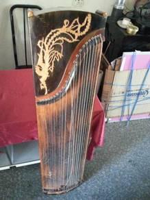 Alat muzik tradisional.antik