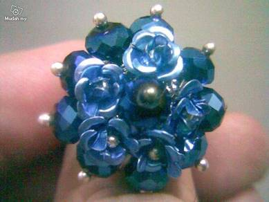 ABRSB-R001 Blue Flowers Beads Silver Metal Ring FS