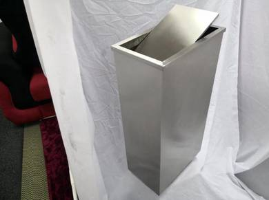 Stainless steel rectangular cw flip top bin ss102