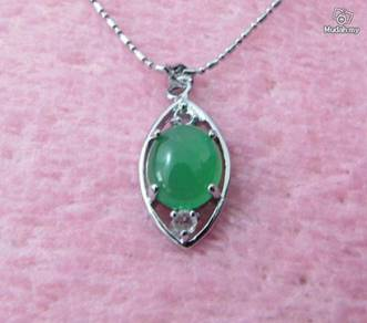 ABPJ-R003 Natural Russian Jade Silver Necklace