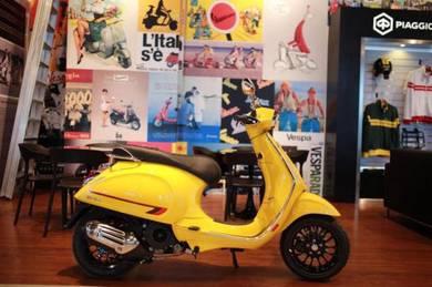 Vespa  Sprint S 150 Royal Yellow