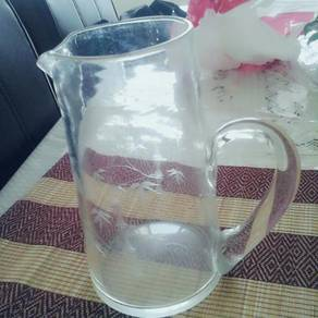 SOLID Glass jug (NEW)