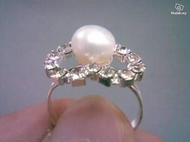 ABRSP-W002 Nice Crystal Pearl Silver Ring - All Sz