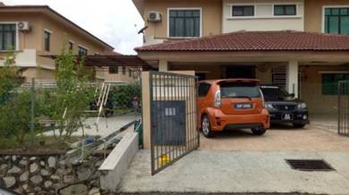 [END LOT FACING PLAYGROUND] Rumah Teres 2 Tingkat di Nilai 3