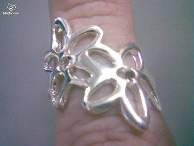 ABRS9-F001 Pierced Flower Silver 925 Ring - Size 5