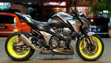 Kawasaki Z800 Matte Grey Akrapovic z8 2013