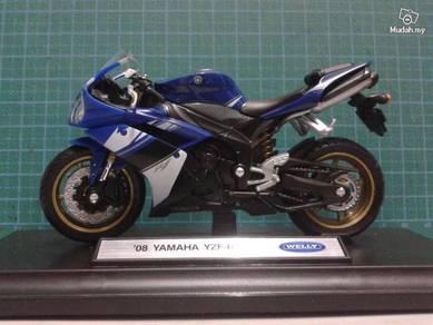 09 Yamaha YZR-1