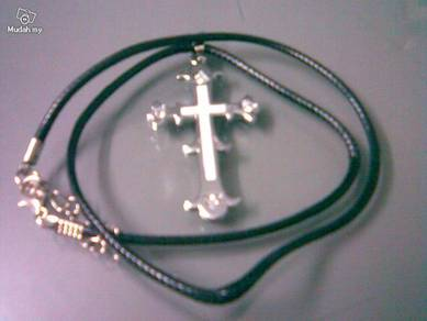 ABPSS-C007 Cross Stainless Silver Crystal Necklace