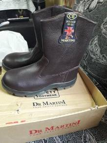 Safety boot dr martin