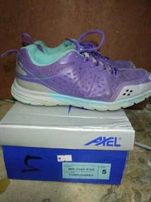 Sport Shoes Axel brand