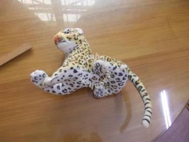Cheetah soft toy 12