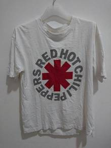 Red hot chili peppers t shirt size s fits to M