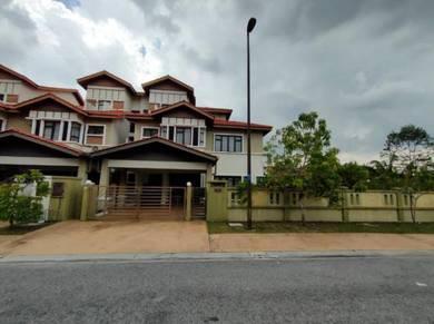 2.5 Storey Corner Unit Alam Impian house for sale