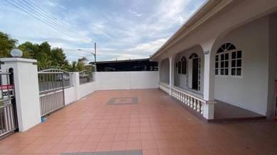 Single Storey Semi-D House at Taman Delight, Miri