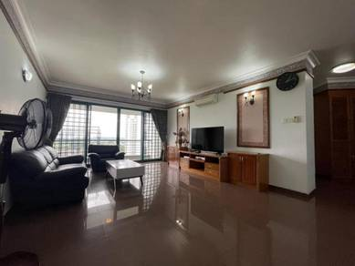 Straits View Condo Fully Furnished 3+1 Rooms Level 13