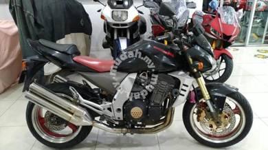 Kawasaki zr1000 a