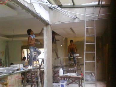 Memperbaiki rumah area putrajaya