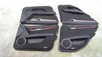 Mercedes c class 204 door pannel per side