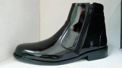 Leather Shoes (PDRM design) / Kasut Kulit Potong