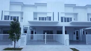 For rent sendayan suriaman double storey new brand house