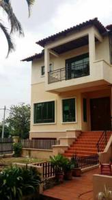 Freehold 3 storey condo landed link