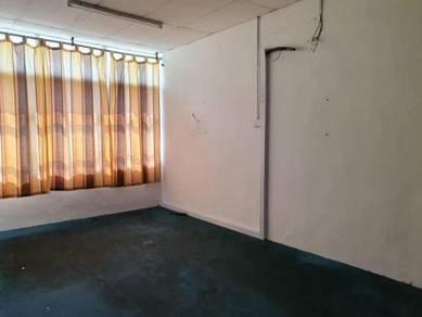 3 storey ground floor shop/ office taman bayu tinggi klang