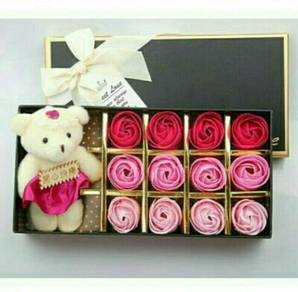 Ready stock rose soap flower with bear
