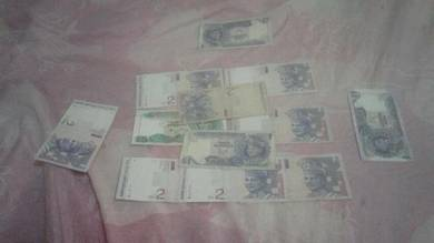 Duit syiling dan duit kertas