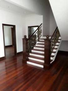 Renovated 2 1/2 Storey Bungalow In Section 12 PJ