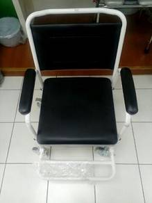 Commode wheelchair 17