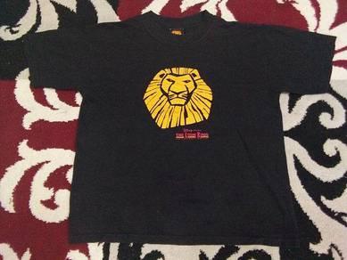 Lion king t shirt by disney size L for kids