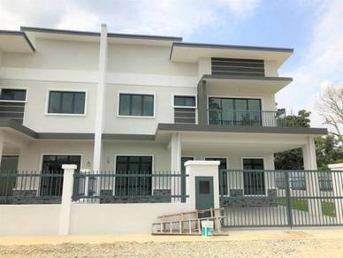 Semi-D with Below market price at Dengkil