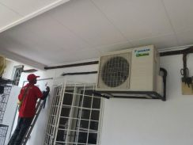 Daikin 2hp non inverter air cond series for house
