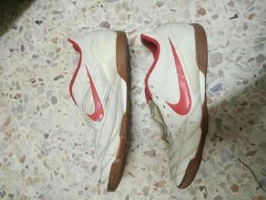 Kasut Futsal Nike terpakai