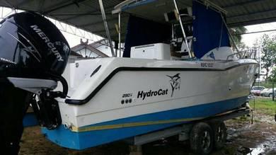 Boat pancing catamaran hydrocat