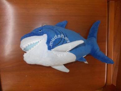 Finding nemo bruce the shark soft toy 11